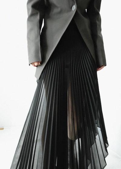 Black Spacer Sliced Pleated Skirt