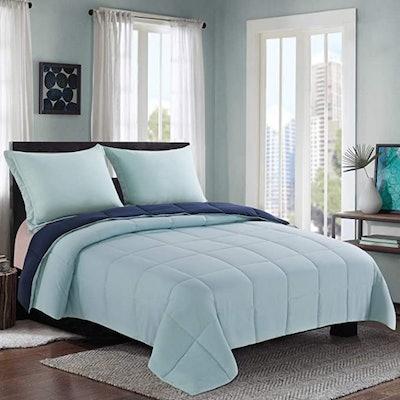Homelike Moment Lightweight Comforter Set (Full/Queen)