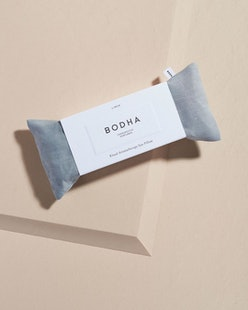 Bodha's aromatherapy eye pillow is the perfect relaxing Mother's Day beauty gift