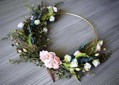 Modern Spring Wildflower Wreath