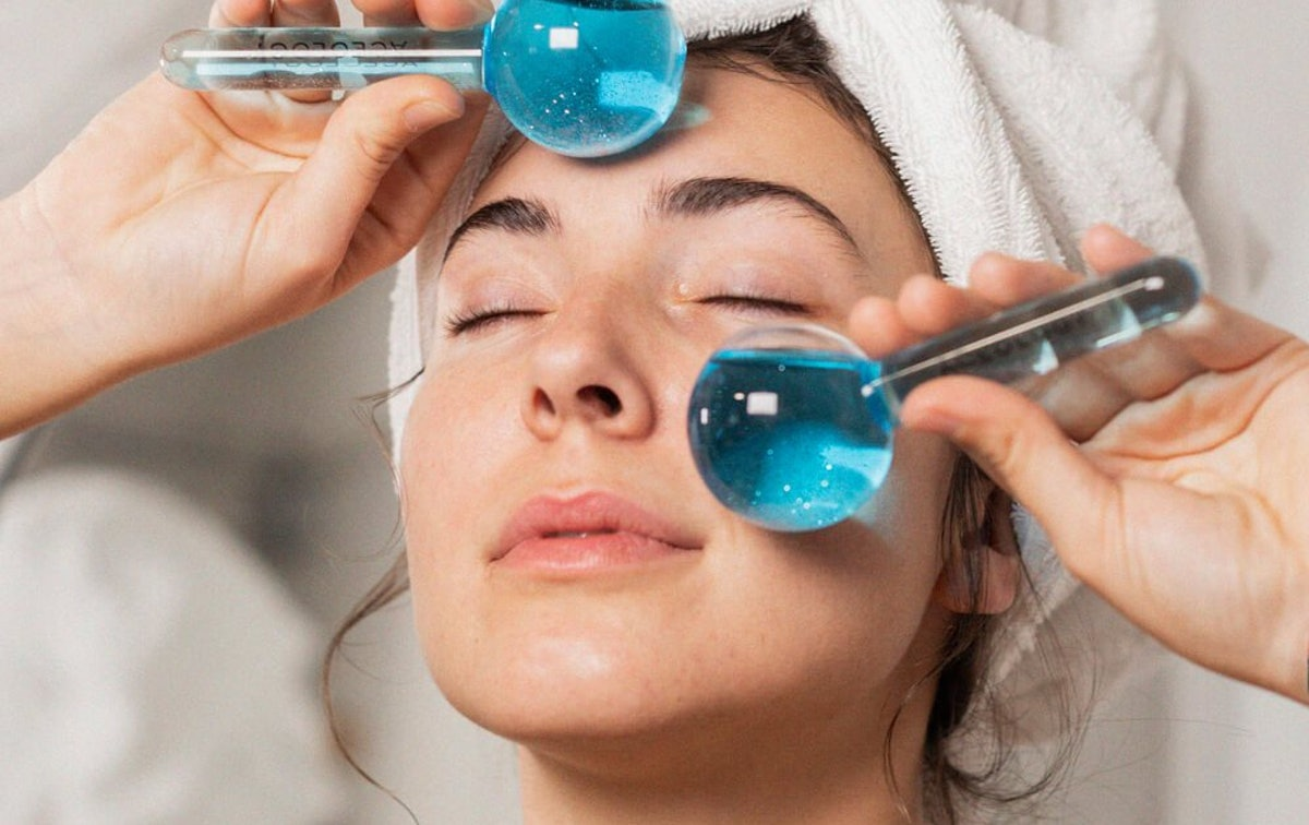 Ice globes' facial benefits and where to buy.