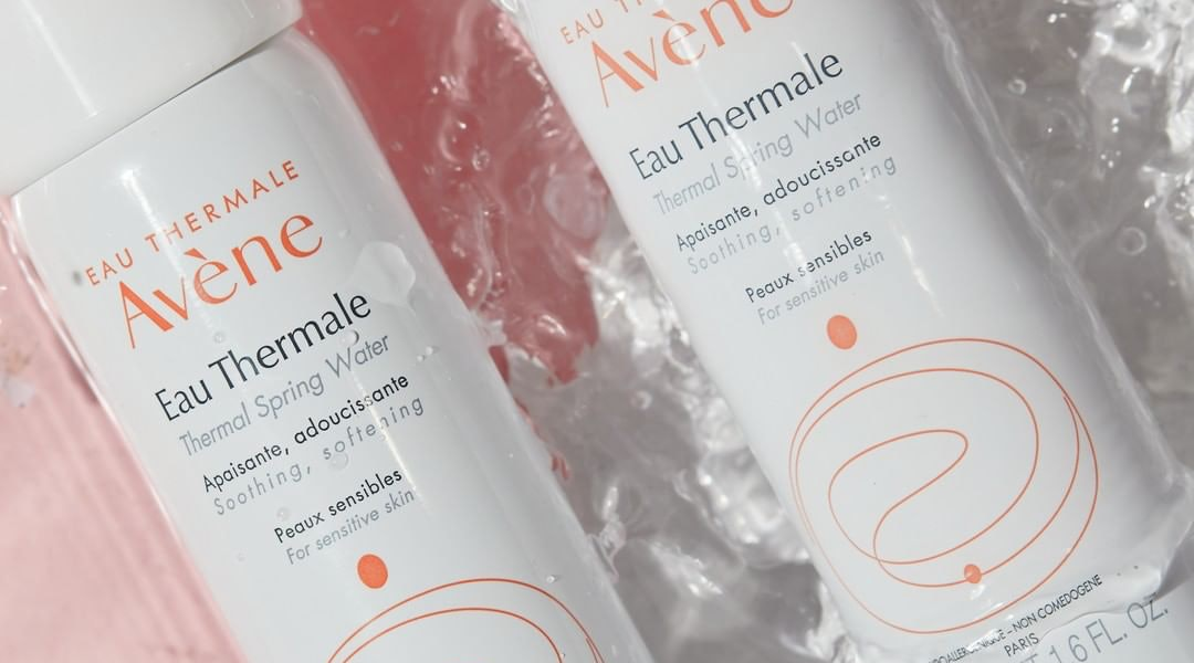 The best face mists with highly rated reviews.