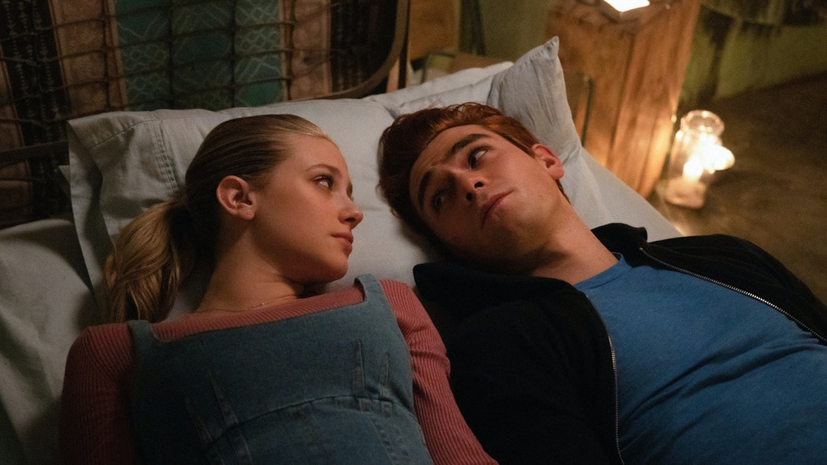 Archie and Betty are beginning a romance in 'Riverdale' Season 4.