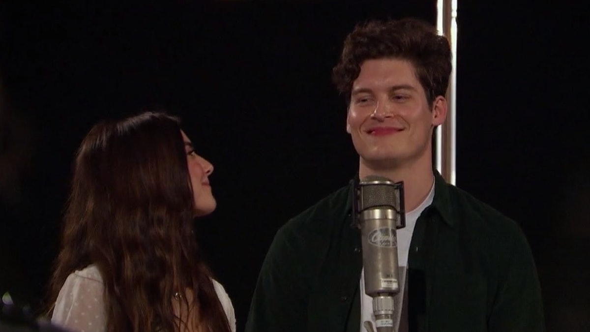 'Listen To Your Heart' contestants sing
