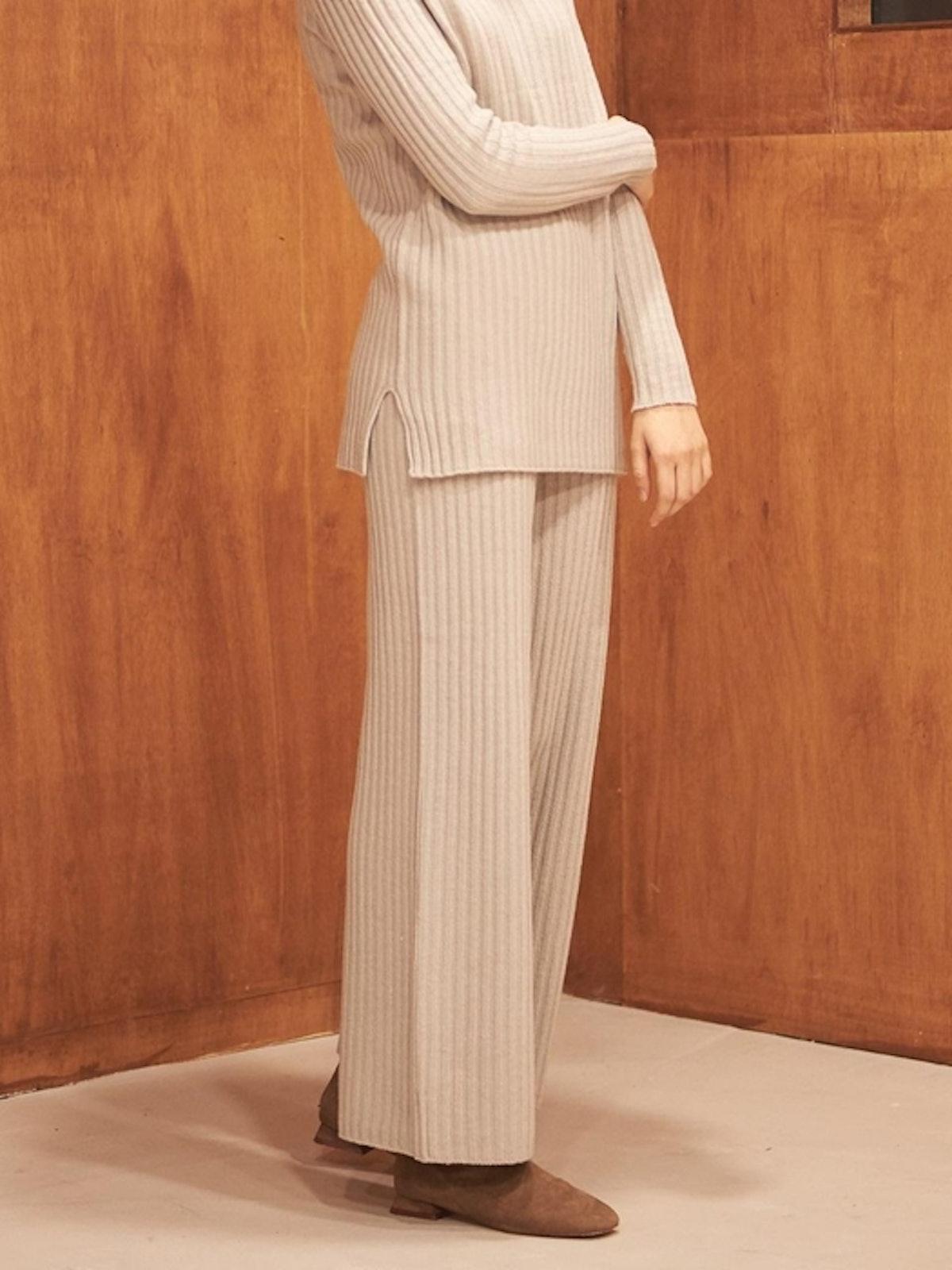 Fine Wool Knit Pants