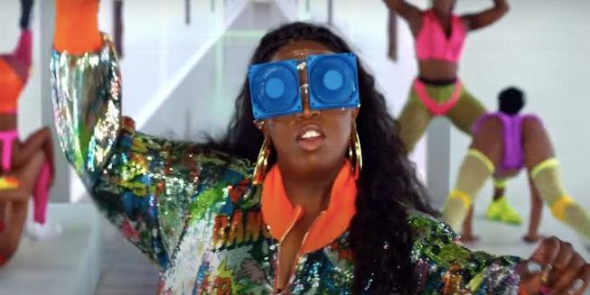 "Missy Elliot dances in new ""Cool"" video."