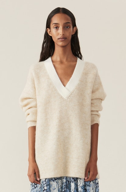 SOFT WOOL KNIT V-NECK PULLOVER