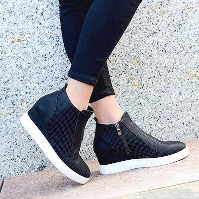 VANDIMI Wedge Sneakers