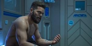 Wes Chatham talks 'Expanse' Season 5, high school cringe, and 'The Chronic'