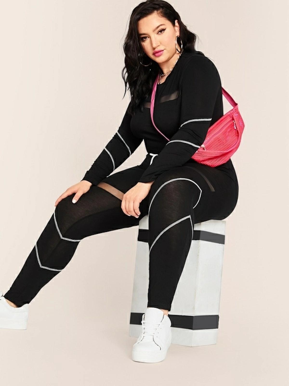 SHEIN Plus Mesh Inset Contrast Stitch Top & Drawstring Waist Leggings Set