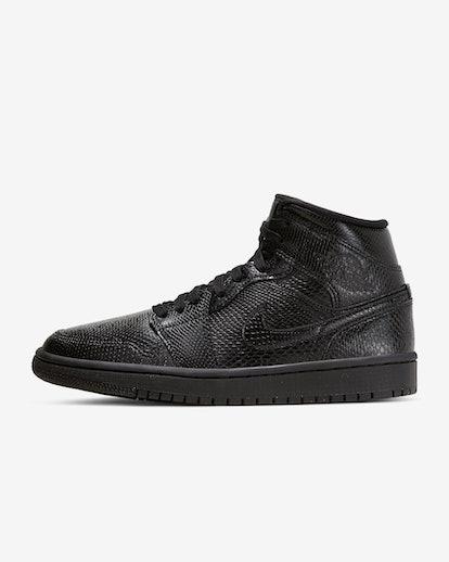 1 Mid Sneaker