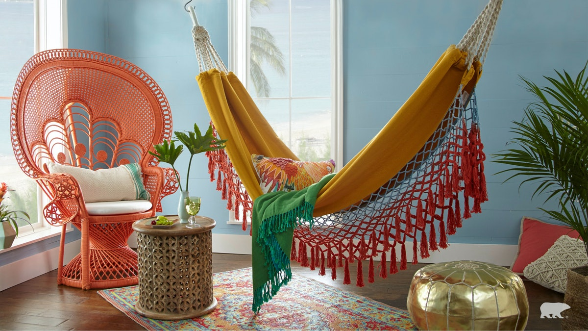 Here are 14 best Zoom home backgrounds perfect for a virtual makeover.