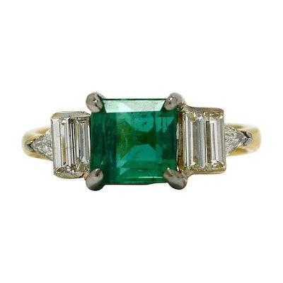 Vintage Emerald Diamond Art Deco Vintage Engagement Ring