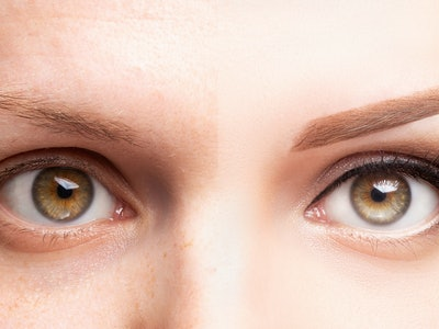 Comparison of regular eyebrow and microbladed eyebrow.