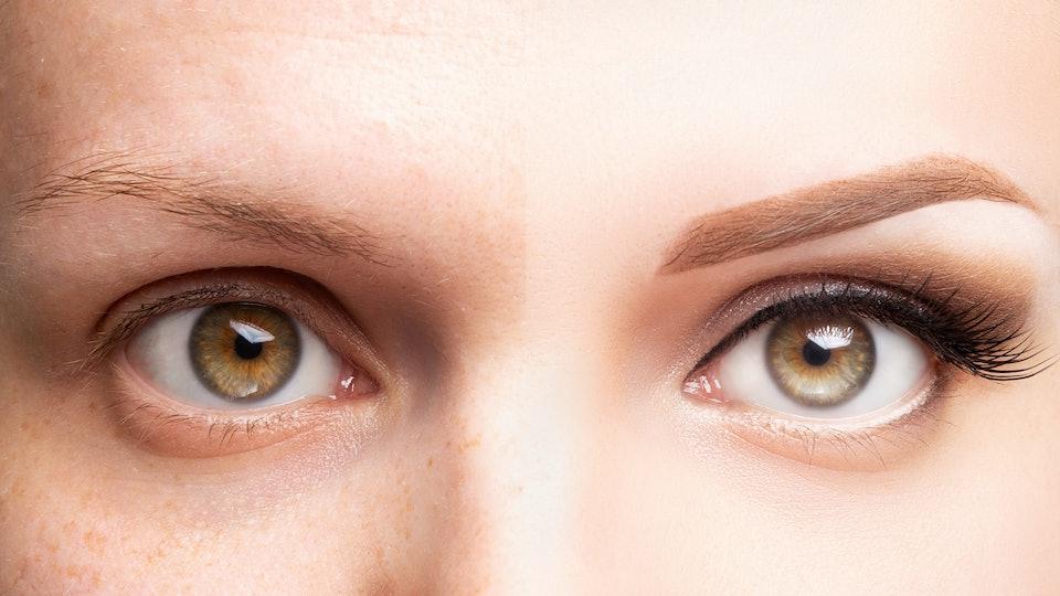 Comparison of regular eyebrow and microbladed eyebrow.