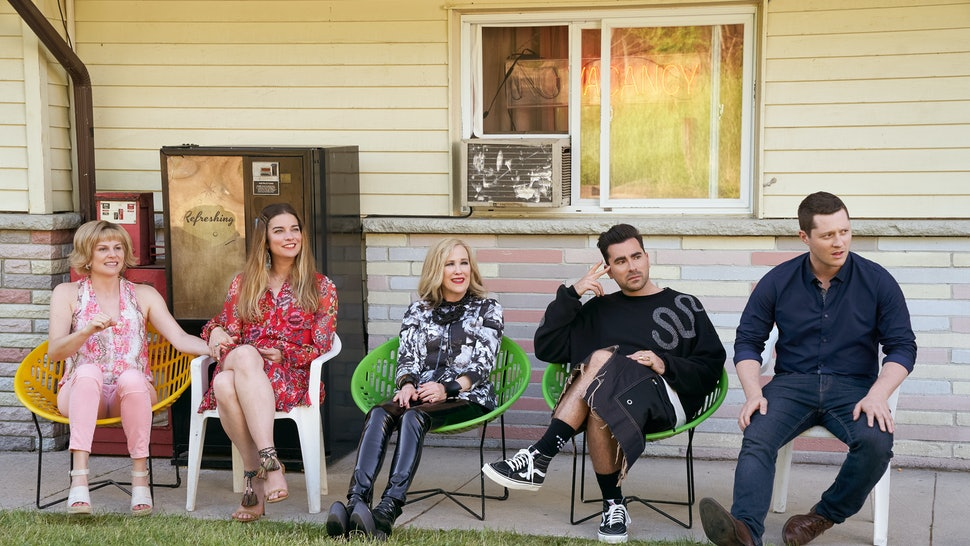 The cast of 'Schitt's Creek' in Season 6