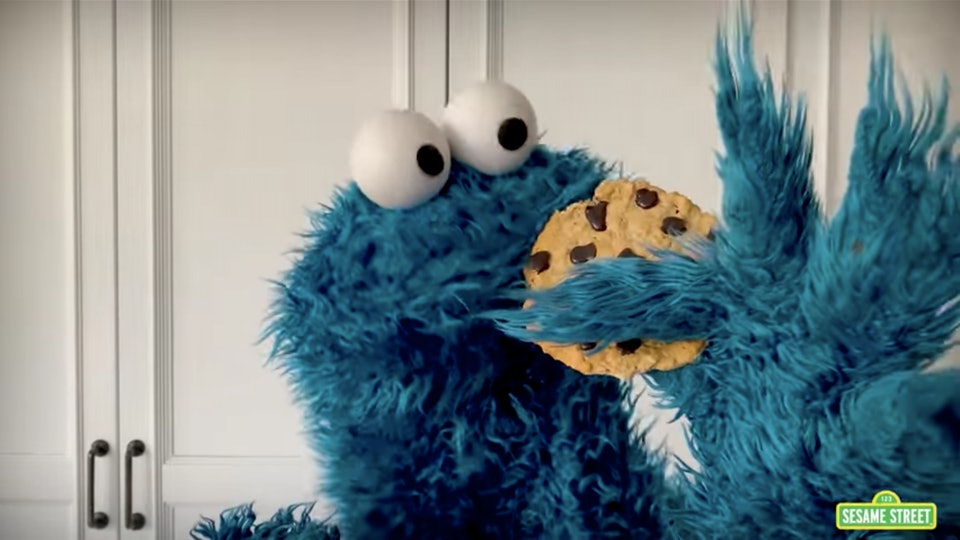 """Cookie Monster is available to have """"Snack Chats"""" with kids online."""