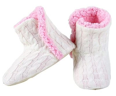 YELETE Cable Knit House Booties