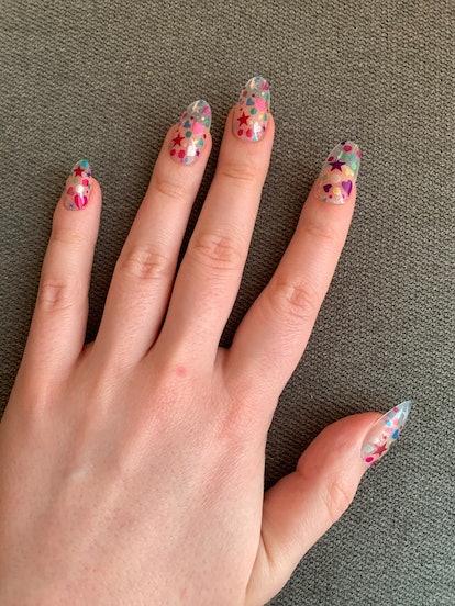 Types of nail art: press-on nails.