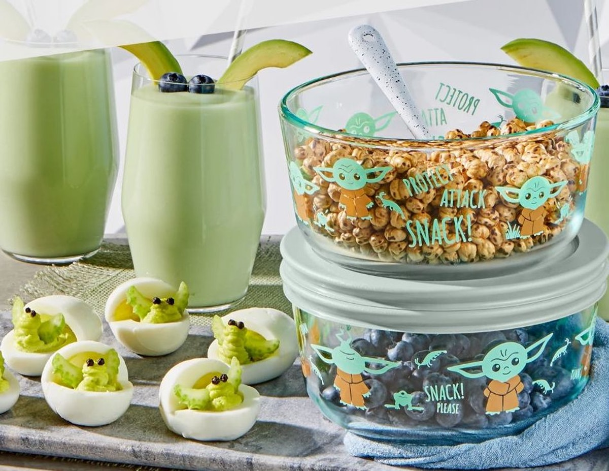 These 'Star Wars' Pyrex dishes feature Baby Yoda.