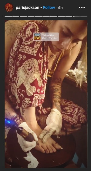 Paris Jackson DIYed a foot tattoo.