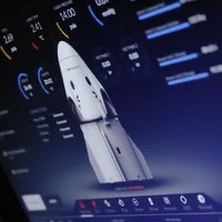 SpaceX Crew Dragon: play the simulator of the intense first mission