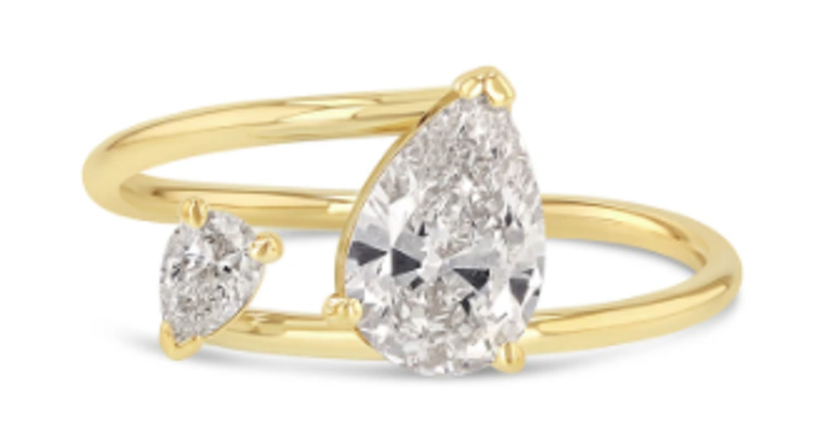 11 Engagement Rings Like Emily Ratajkowski S That Tap The Two Stone Trend