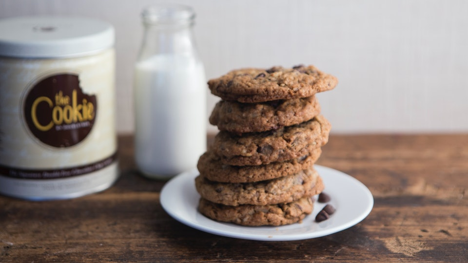 a plate of doubletree chocolate chip cookies