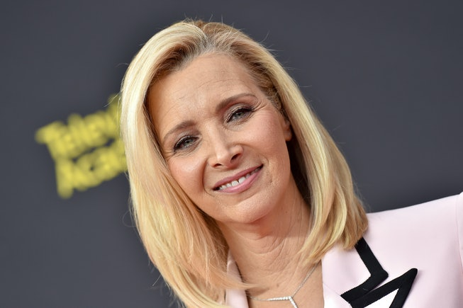 Lisa Kudrow attends the 2019 Creative Arts Emmy Awards on September 14, 2019 in Los Angeles, Califo...
