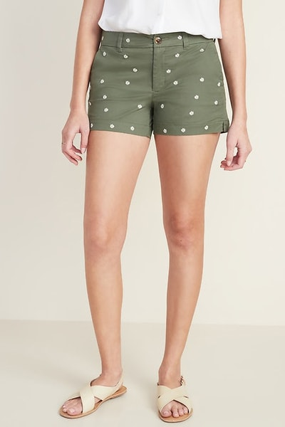 Old Navy Mid-Rise Everyday Embroidered-Daisy Twill Shorts