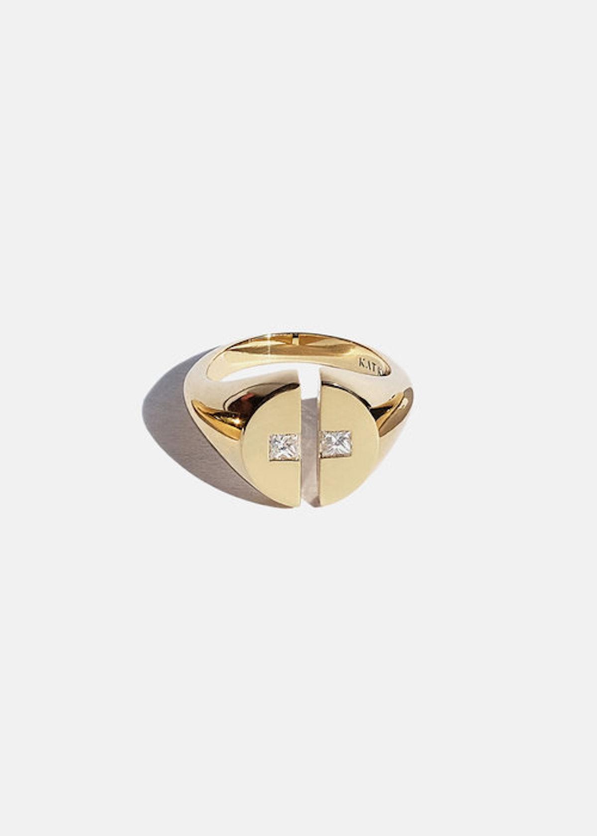 Cove Signet Ring