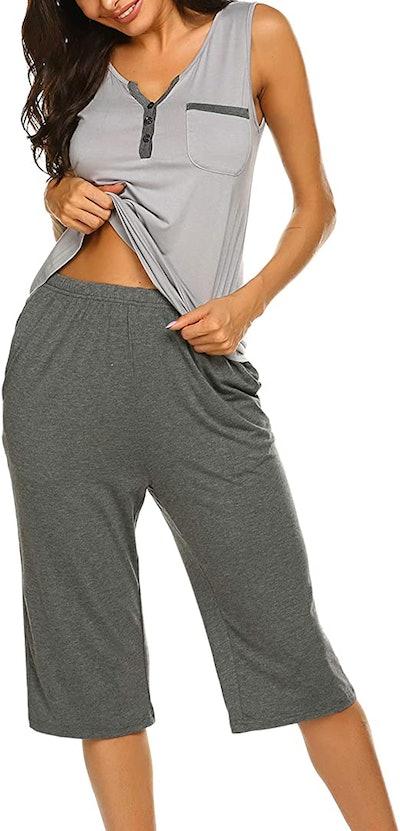 Ekouaer Women's Capri Pajama Set