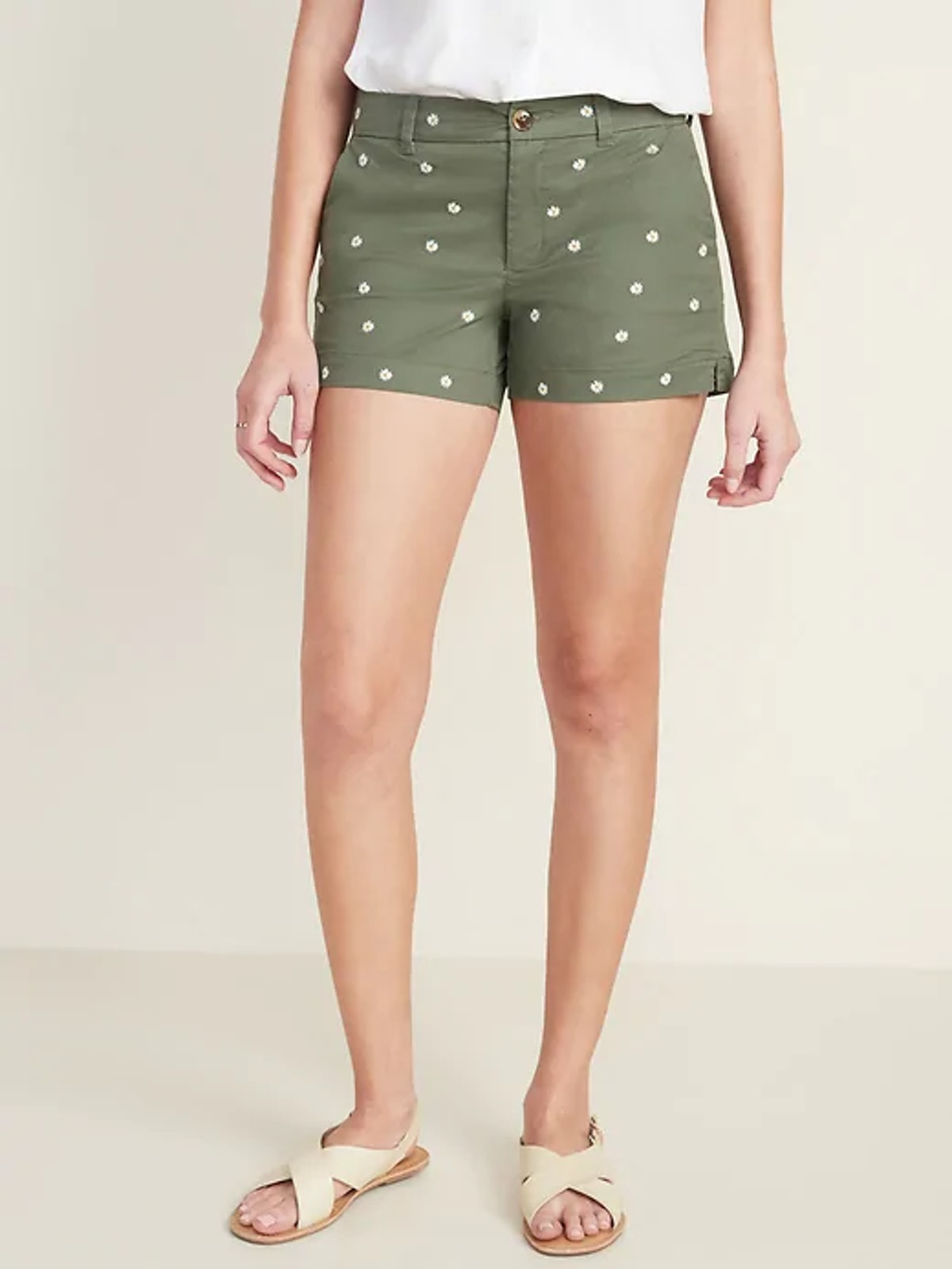 Mid-Rise Everyday Embroidered-Daisy Twill Shorts