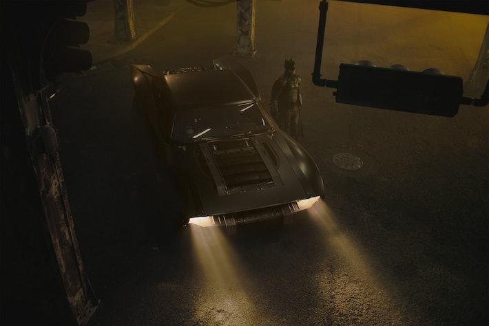 Em março, Matt Reeves twittou fotos do novo Batmobile que estreará em seu filme de super-heróis de 2021, 'The Batman'.Twitter.com/mattreevesLA