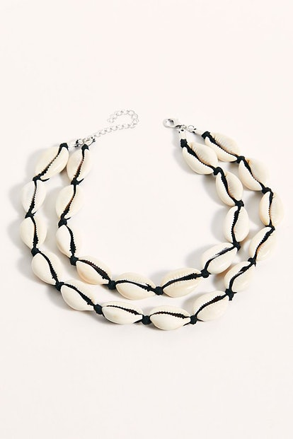 Oversized Shell Collar