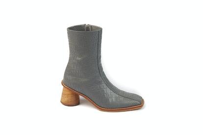 Caribou Boots Dove Grey Croc