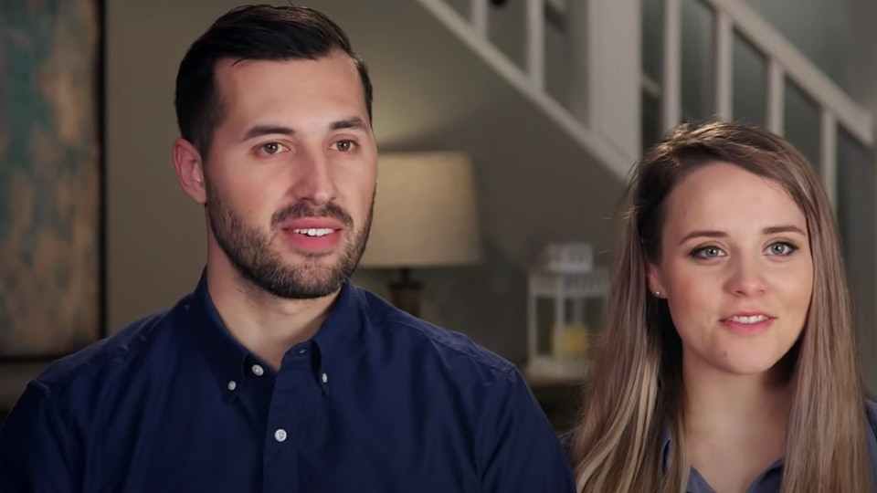 During an Instagram Live on Thursday, Jinger Duggar revealed that she is craving sour things during her second pregnancy.