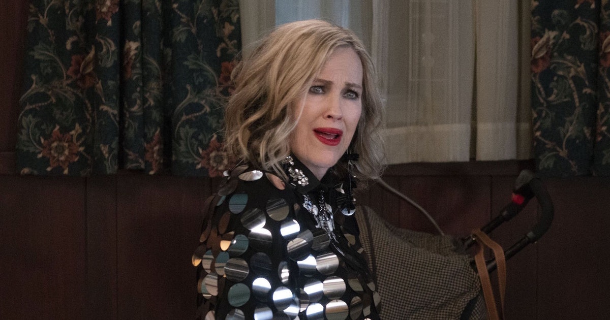 'Schitt's Creek' Fans Need To Watch Catherine O'Hara's Hilarious At-Home Acceptance Speech