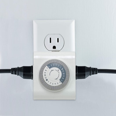 GE 24-Hour Indoor Plug-in Mechanical Timer