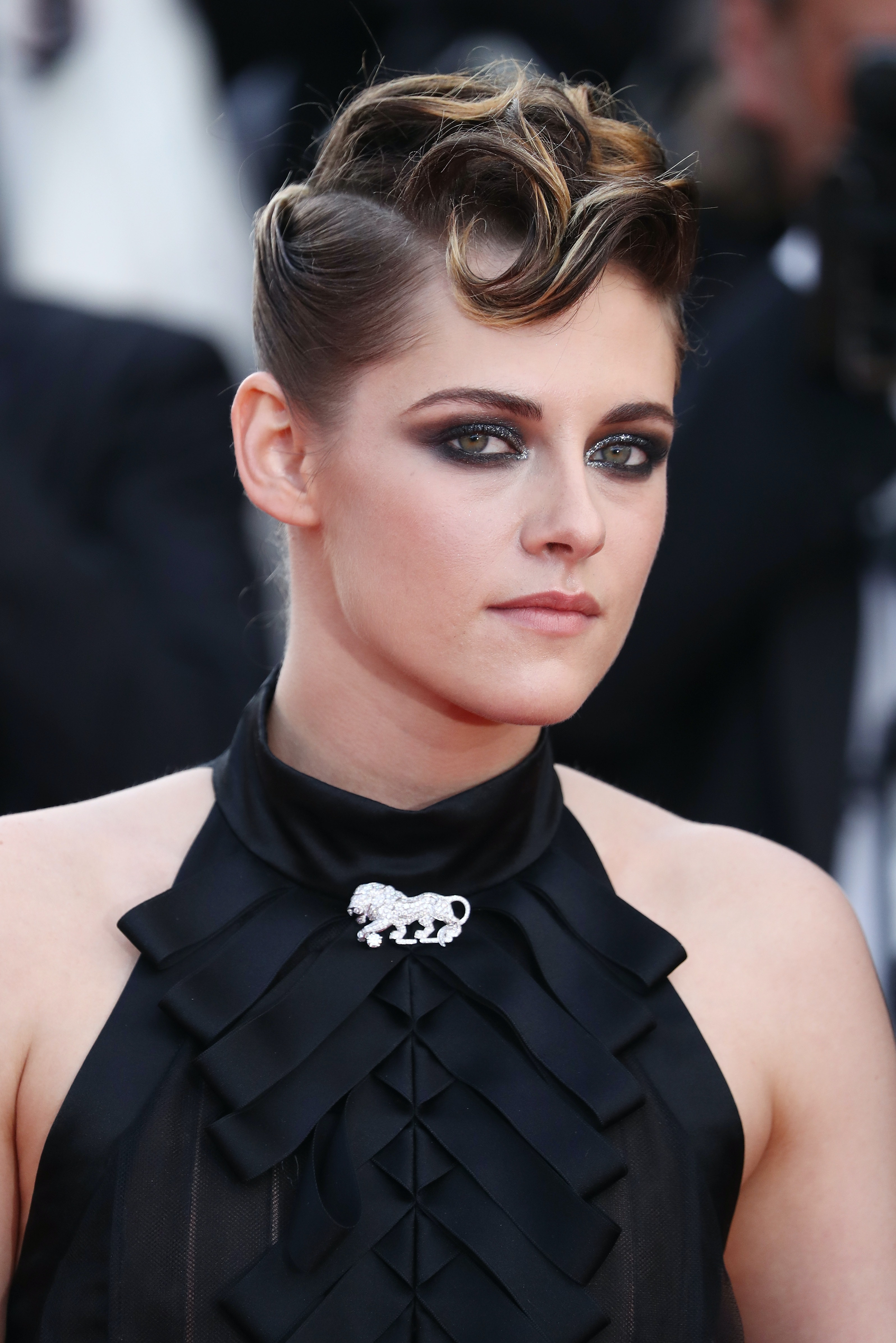 See Kristen Stewart S Beauty Evolution From Twilight To Today