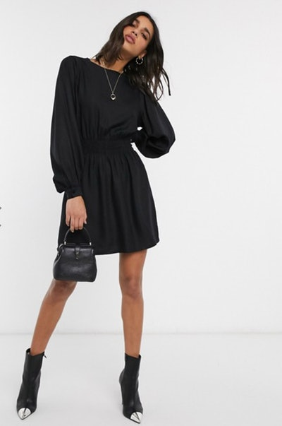 Stradivarius volume sleeve dress in black