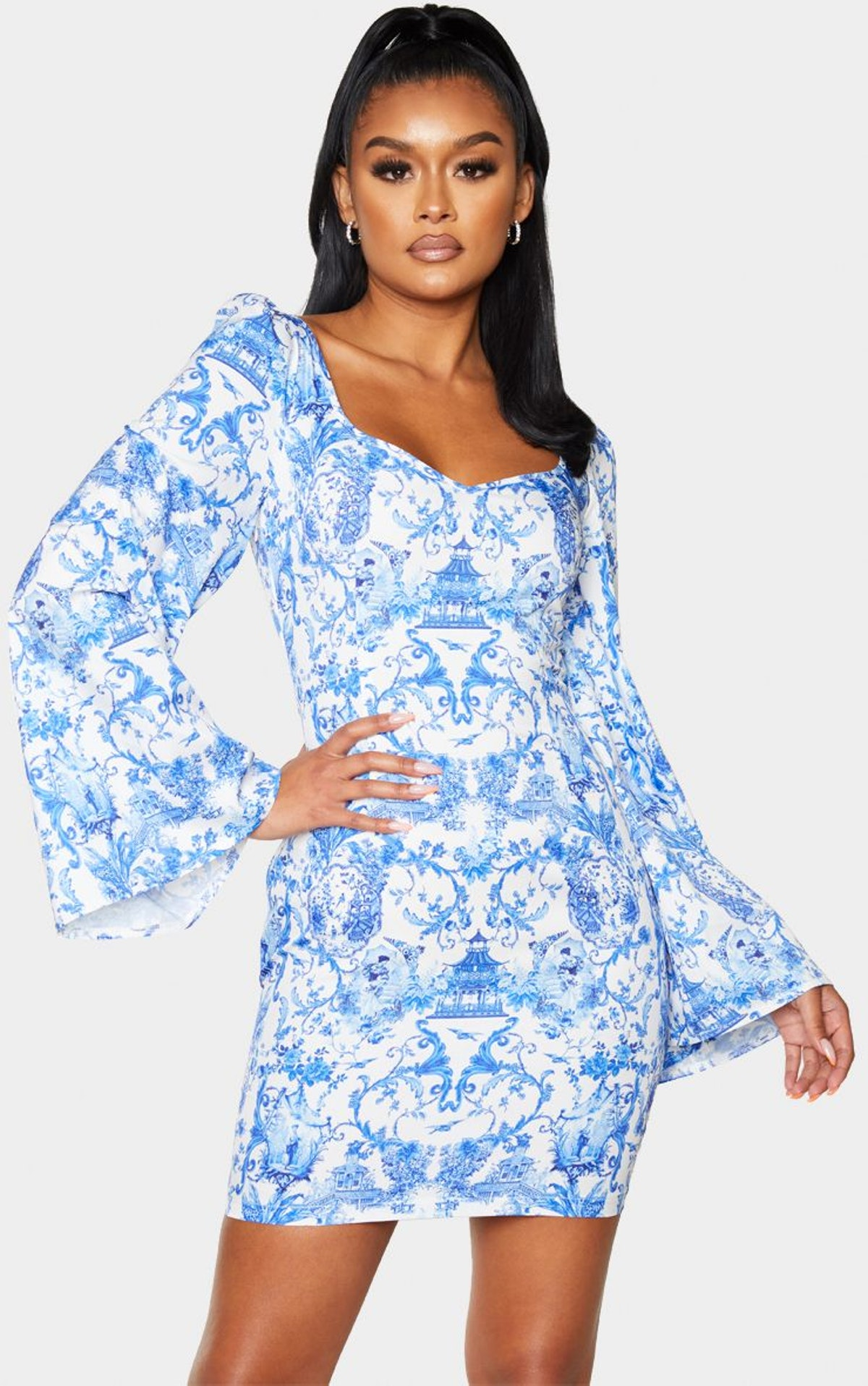 PrettyLittleThing Blue Porcelain Print Satin Lace Up Back Bodycon Dress