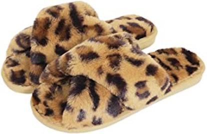 Knemksplanet Fuzzy Slippers for Women