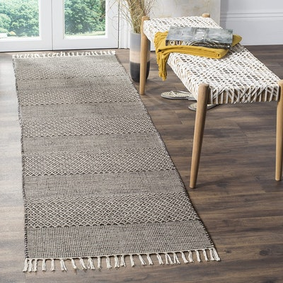 Safavieh Montauk Collection Hand-woven Cotton Runner (2.3 by 10 Feet)