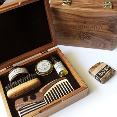 Deluxe Beard Kit With Connoisseur's Grooming Box
