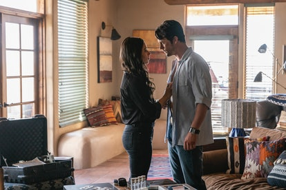Liz and Max on Roswell, New Mexico via the CW press site