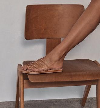 Seni Slide Tan