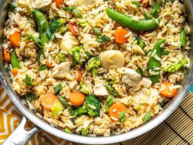 One-Pot Teriyaki Chicken and Rice is a one-pot meal that you can make without using pasta.