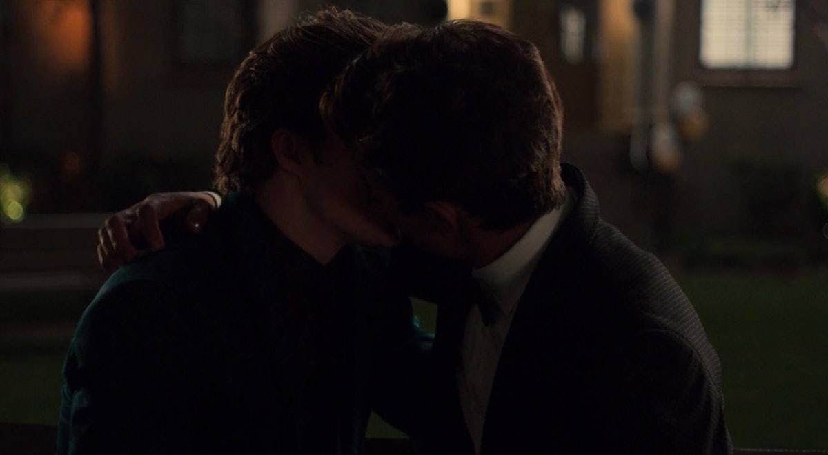 Victor and Benji kiss Hulu 'Love, Victor'