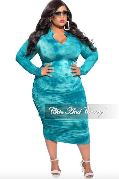 Chic & Curvy Plus Size Ruched Sides BodyCon Midi Dress